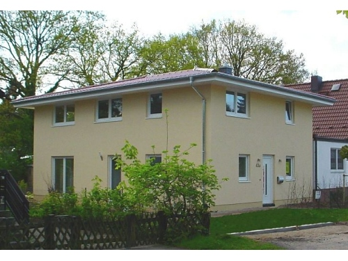 Hamburg-Hohensasel: Anbau eines Stadthauses an ein Bestandsgebäude