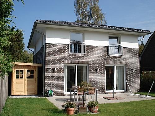 Hamburg-Sasel: Neubau eines Toskana-Einfamilienhauses