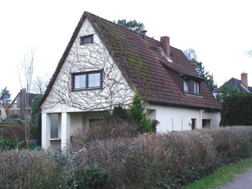 Hamburg-Wellingsbüttel: Grundstücksteilung, Neubau Einzelhaus + Verkauf Bestandsimmobilie