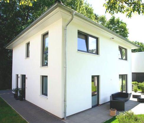 Hamburg-Sasel: Neubau eines Stadthauses / Toskanahauses